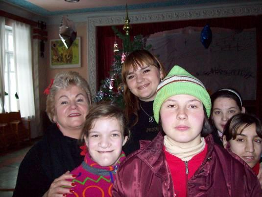 January 2009 - (R-L) Gayla, Nadia, Lena and friends